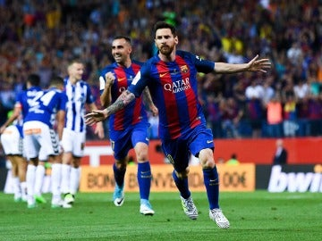Leo Messi celebra un gol ante el Alavés