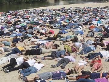 Más de 5.000 personas rinden homenaje a los refugiados fallecidos en el Mediterráneo en Valladolid