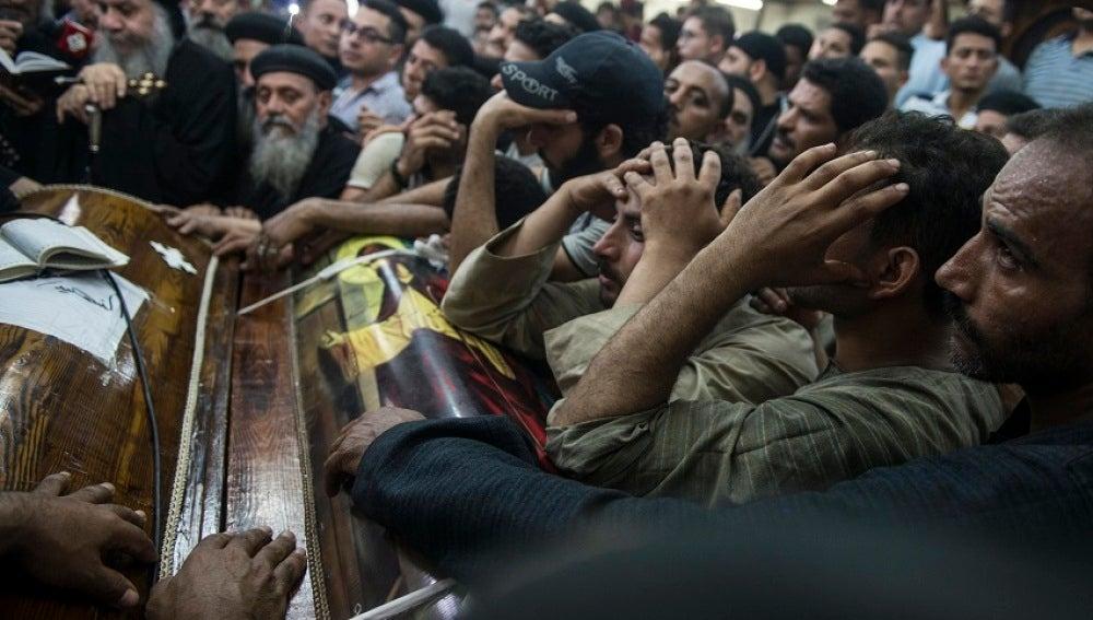 El Estado Islámico asume la autoría del ataque contra los cristianos coptos en Egipto