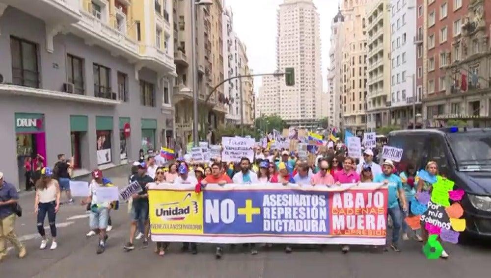 Venezolanos se manifiestan en Madrid