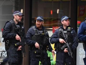 La Policía registra dos domicilios en los barrios de Newham y Barking