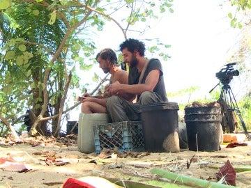 Santiago y Fernando en La Isla