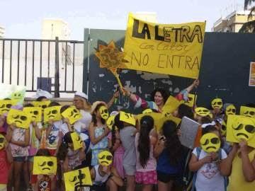 Padres y alumnos piden en Sevilla que las aulas en las que estudian se climaticen