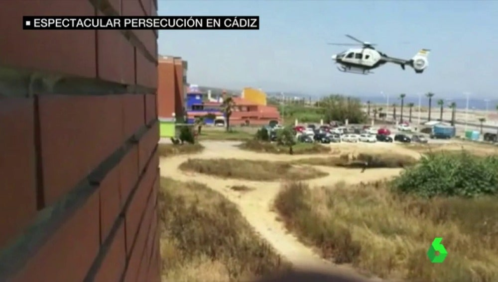 Helicóptero persiguiendo a un traficante en La Linea de la Concepción