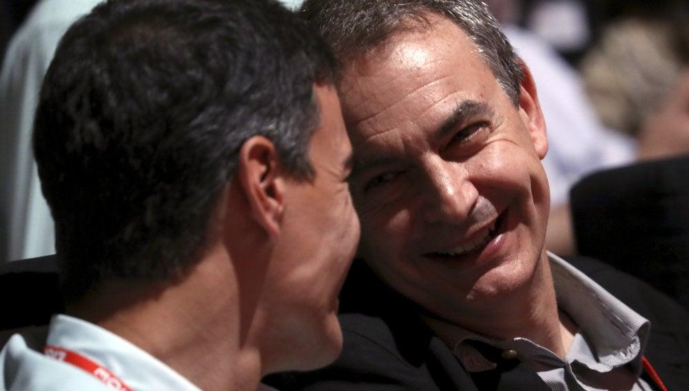 Pedro Sánchez y José Luis Rodríguez Zapatero, en el 39 Congreso Federal del PSOE