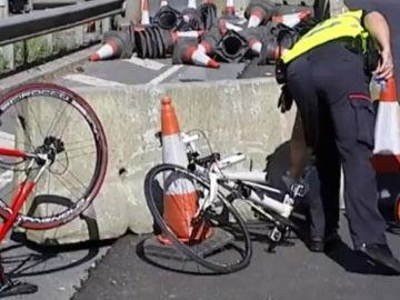 Así han quedado las bicicletas de los dos ciclistas