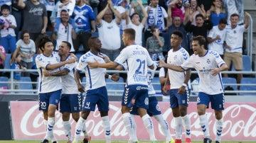 El Tenerife celebra un gol de Shibasaki