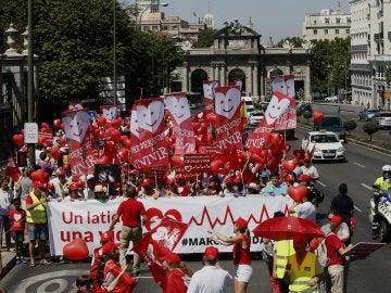 Participantes en Madrid en la VII Marcha por la Vida convocada por Derecho a Vivir