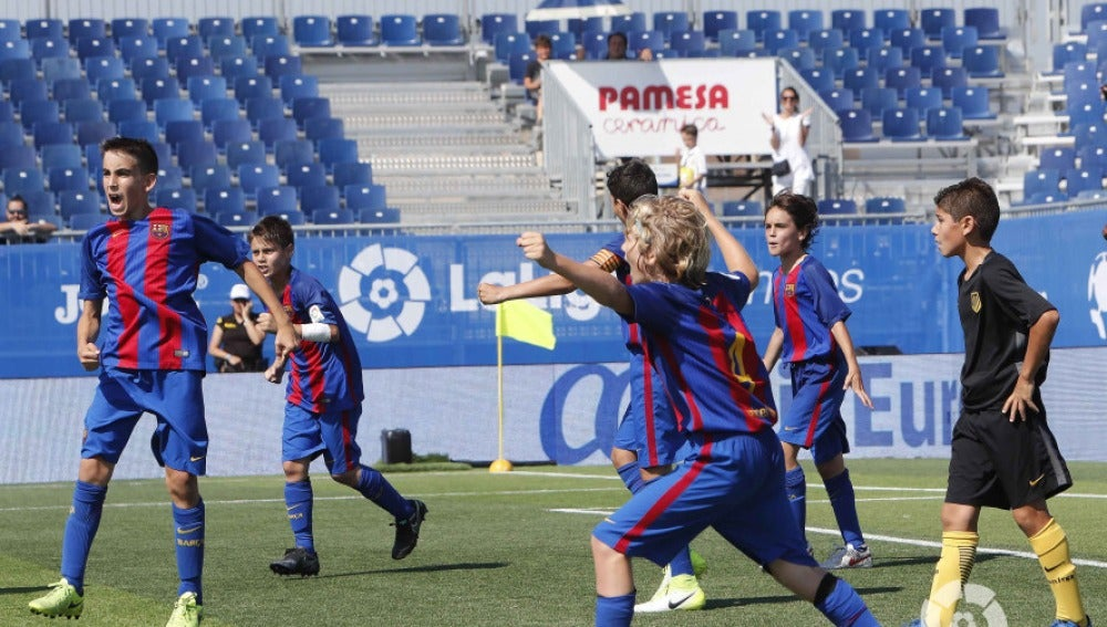 El Barcelona celebra su victoria ante el Atlético de Madrid en LaLiga Promises