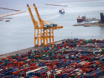 Los puertos, de nuevo paralizados por el masivo seguimiento de la huelga de estibadores