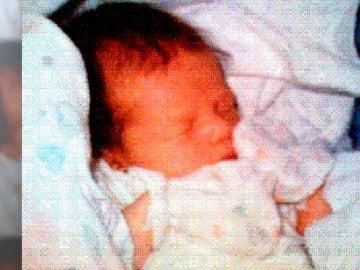 Una imagen de Sophie, la primera foto compartida vía móvil