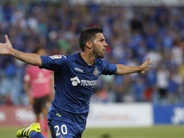 Dani Pacheco celebra un gol ante el Tenerife