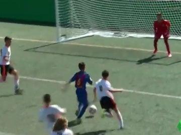 Jan Molina anota el 1-0 ante el Valencia