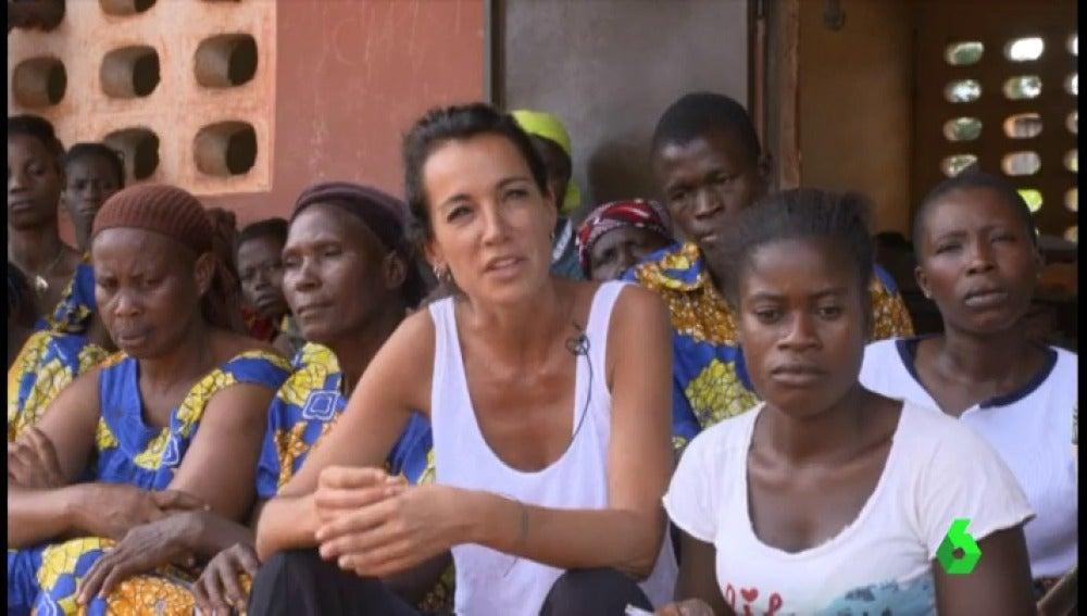 """Global Humanitaria lanza varios proyectos de alfabetización de mujeres en Costa de Marfil: """"Les devolvemos el derecho que les fue robado cuando eran niñas"""""""