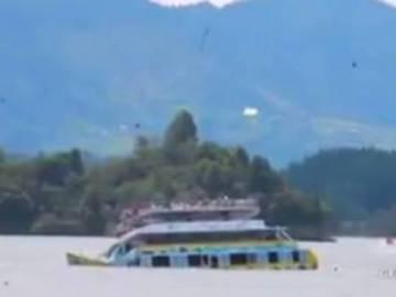 Naufragio de la embarcación en Guatapé