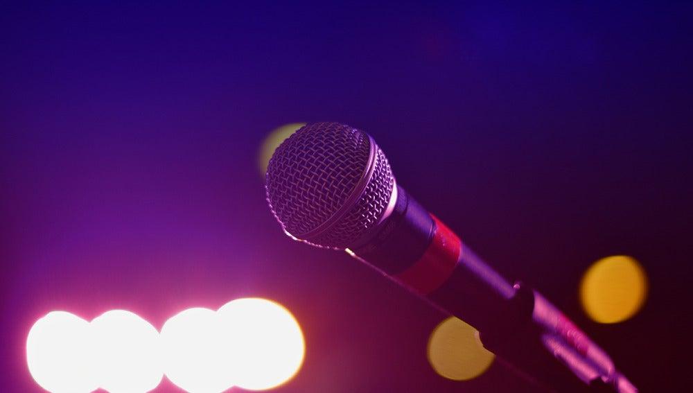 Un micrófono