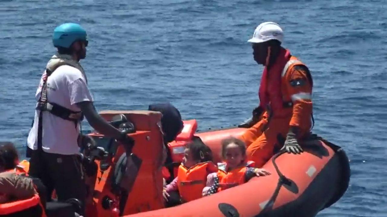 Rescate de cientos de inmigrantes procedentes de Libia en aguas del Mediterráneo