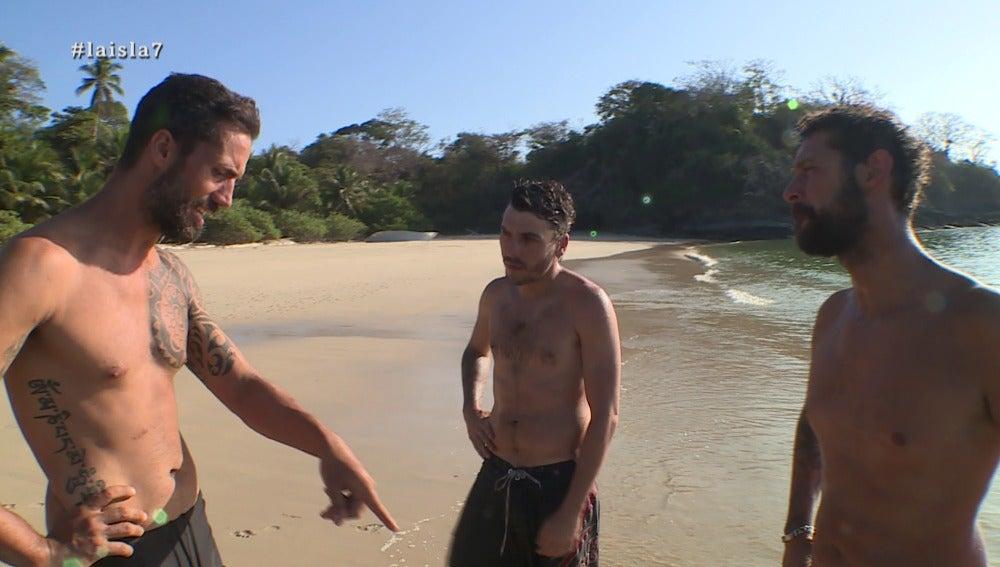 Antonio, Daniel y David Isaac en La Isla