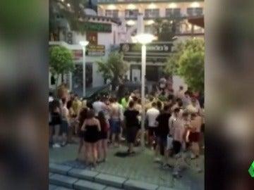 Nuevas y sorprendentes imágenes del turismo de borrachera que amenaza Mallorca