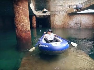 Un youtuber navega por los túneles del metro de Valencia