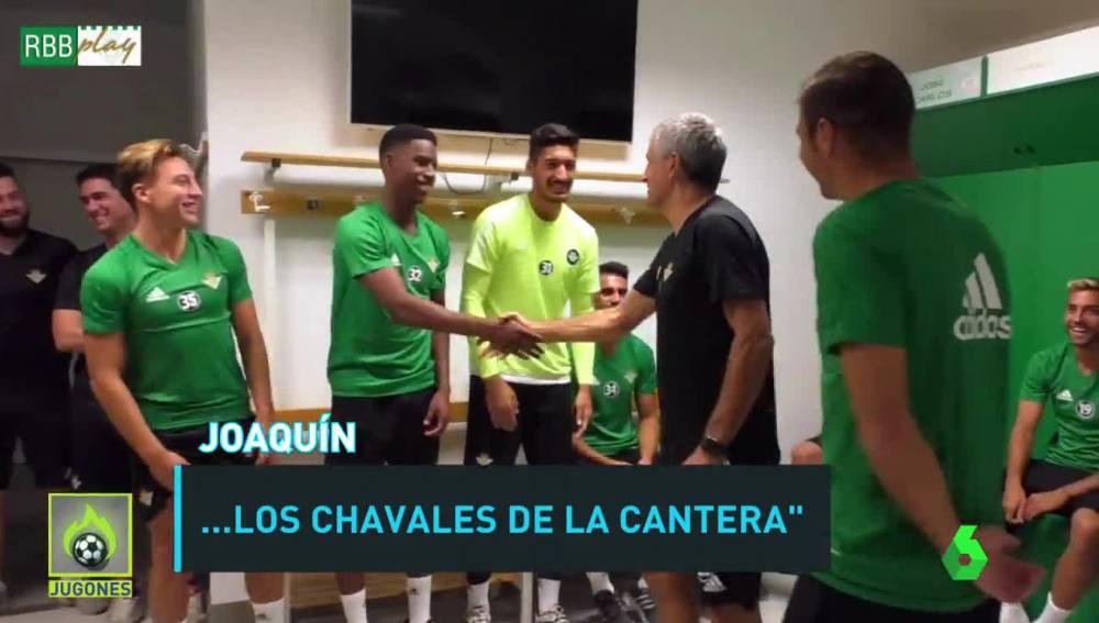 Joaquín presenta a sus compañeros a Setién