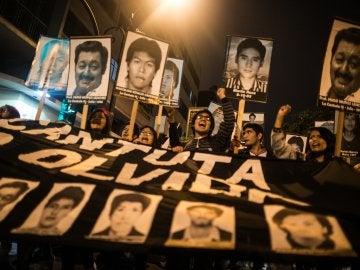 Miles de personas marchan en Lima contra un posible indulto a Fujimori