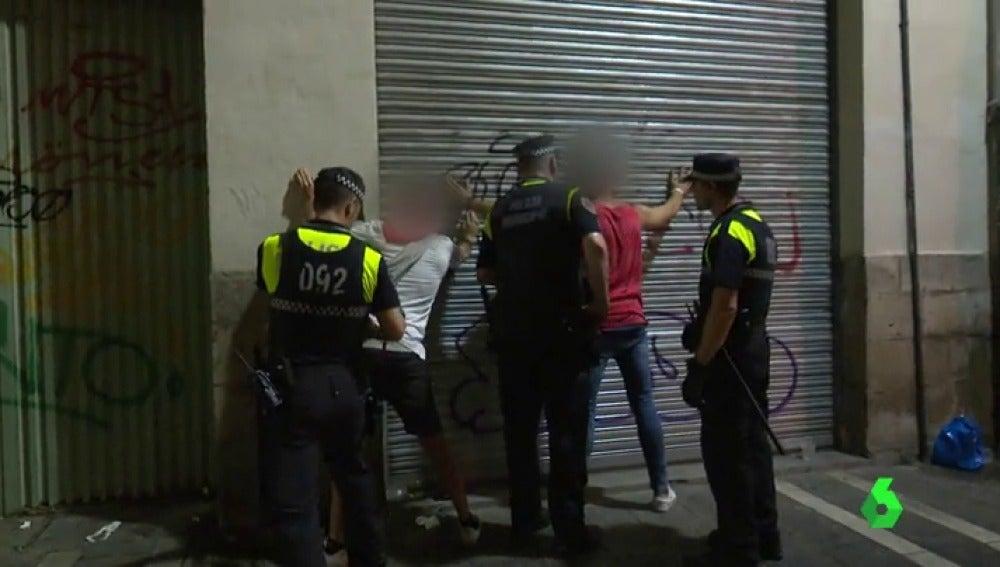 Robos, desalojos, peleas, agresiones machistas... la intensa labor de la Policía de Pamplona durante San Fermin