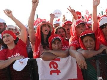 Miles de personas se manifiestan en Turquía