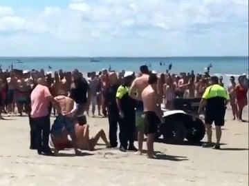 La Policía detiene a los cuatro jóvenes implicados