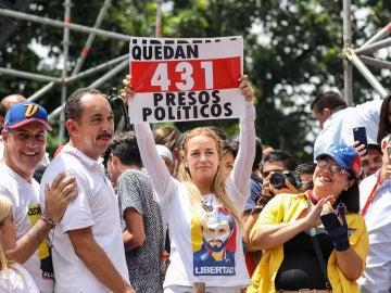 La esposa de Leopoldo López, Lilian Tintori, durante la marcha de opositores venezolanos