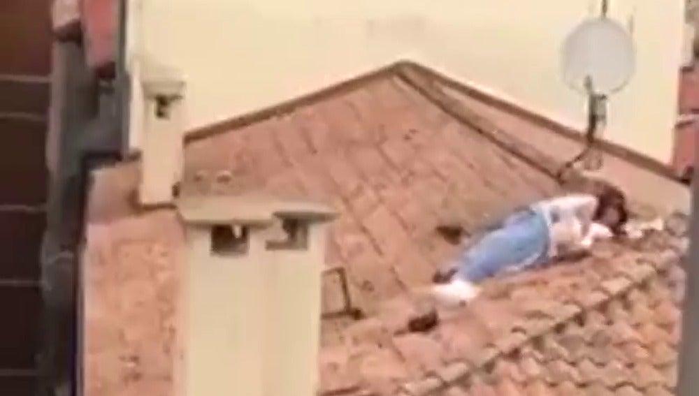 pillan a una pareja manteniendo relaciones sexuales en un tejado en san fermn
