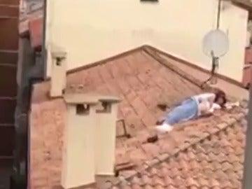 Pillan a una pareja manteniendo relaciones sexuales en un tejado en San Fermín