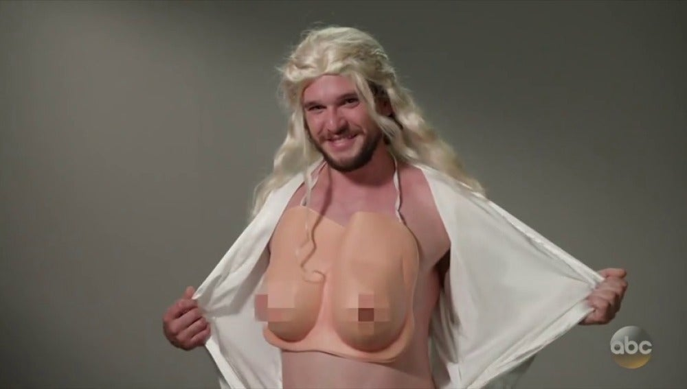 Kit Harington, el actor que interpreta a Jon Snow, parodia a sus compañeros en un divertido sketch