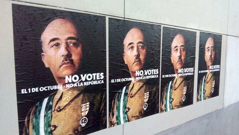 Carteles de Franco colgados en Girona