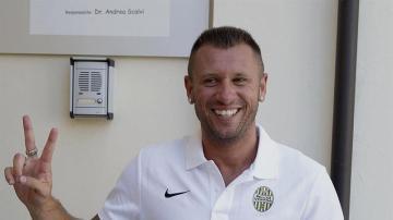Antonio Cassano, en su presentación como nuevo jugador del Verona.