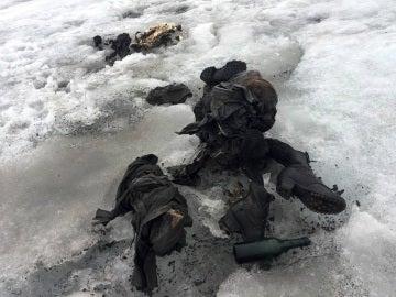 Aparece una pareja suiza perfectamente conservada en un glaciar desaparecida en 1942