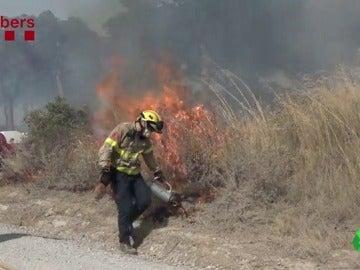 Estabilizado el incendio de Teià, Barcelona, que ha obligado al confinamiento de vecinos