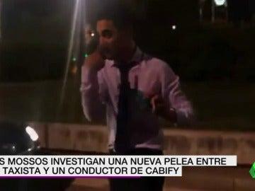 Pelea entre un taxista y un conductor de Cabify en Barcelona