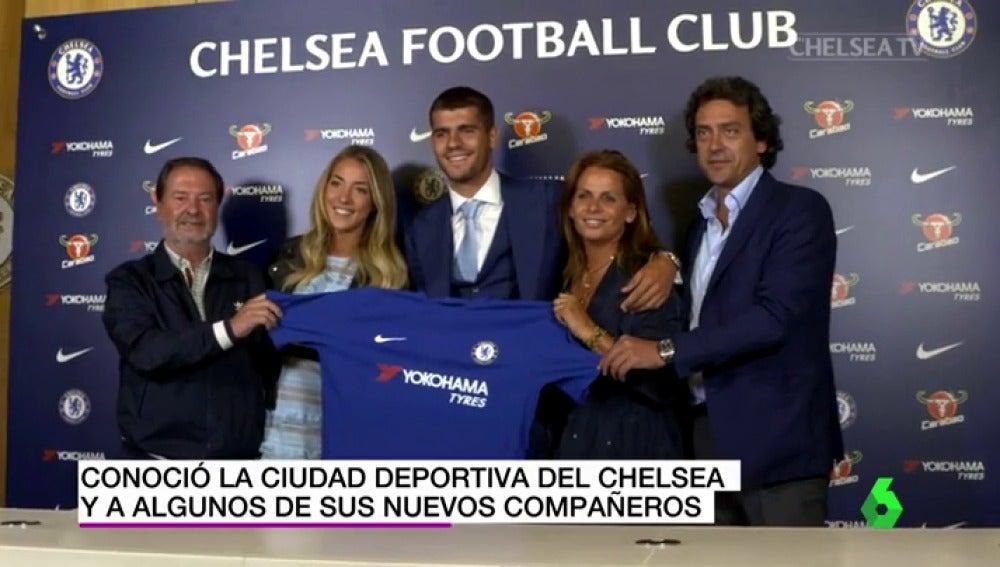 """Álvaro Morata ya posa con la camiseta del Chelsea: """"Estoy muy feliz de estar aquí"""""""