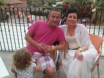 Pareja irlandesa con cáncer terminal con una de sus hijas