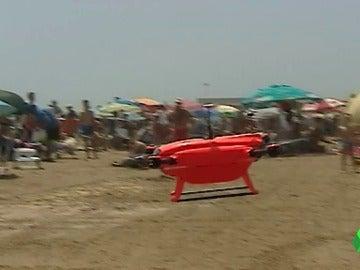 Un dron que vigila a 13 kilómetros de la costa