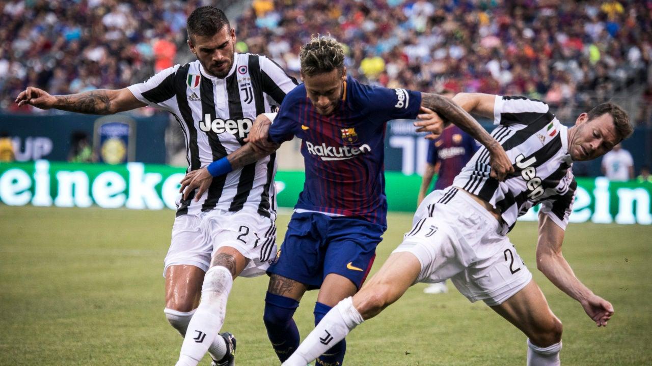 Neymar firma un doblete ante la Juventus