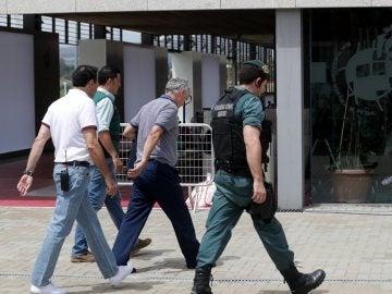 Ángel María Villar antes de entrar en Soto del Real