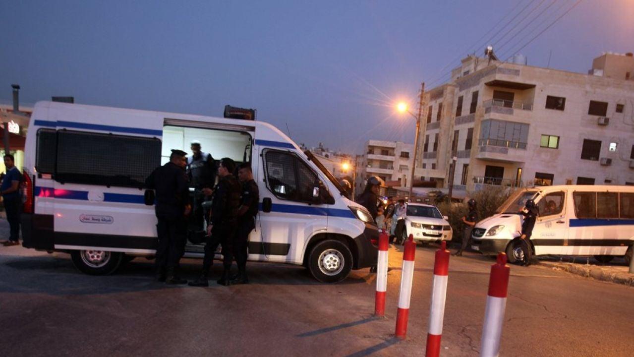 La ambulancia atiende a los heridos