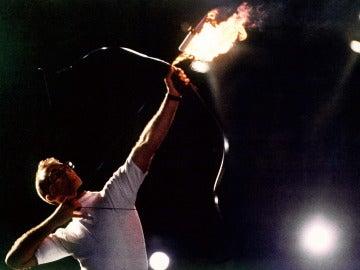 Antonio Rebollo, preparado para lanzar la flecha de fuego hacia el pebetero olímpico