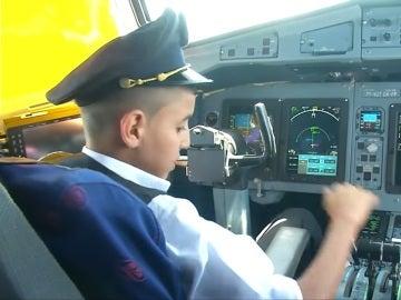 El niño, durante el vuelo