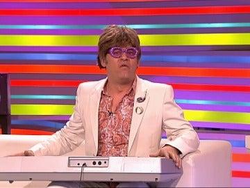 Miki Nadal interpreta a Elton John en Sé lo que hicisteis