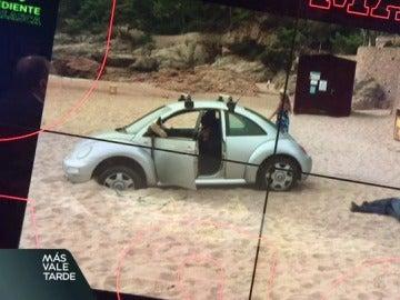 Le multan por aparcar su coche en plena playa de Girona