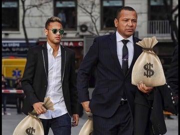 Neymar y su padre, cargados de dinero