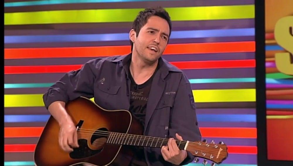 David Guapo canta en Sé lo que hicisteis